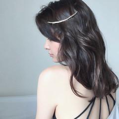 アッシュ 大人かわいい フェミニン 暗髪 ヘアスタイルや髪型の写真・画像