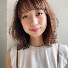 ミディアム アンニュイほつれヘア ヘアアレンジ ナチュラル ヘアスタイルや髪型の写真・画像