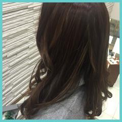 外国人風カラー ハイライト フェミニン ゆるふわ ヘアスタイルや髪型の写真・画像