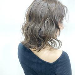 ハイライト フェミニン 透明感カラー 外ハネボブ ヘアスタイルや髪型の写真・画像