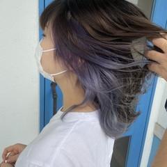 セミロング フェミニン インナーカラー うる艶カラー ヘアスタイルや髪型の写真・画像