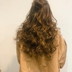 ヘアアレンジ フェミニン ブライダル ハーフアップ ヘアスタイルや髪型の写真・画像