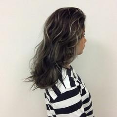 グラデーションカラー ストリート ハイライト セミロング ヘアスタイルや髪型の写真・画像