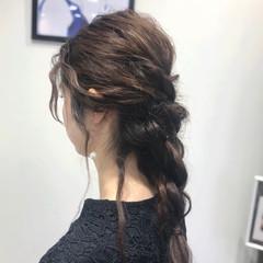 編みおろしヘア 結婚式ヘアアレンジ 逆りんぱ ナチュラル ヘアスタイルや髪型の写真・画像