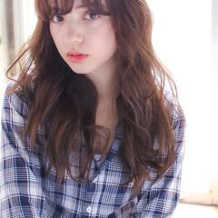イルミナカラー パーマ レイヤーカット ミルクティー ヘアスタイルや髪型の写真・画像
