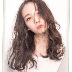 フェミニン ミディアム スロウカラーコンテスト ヘアスタイルや髪型の写真・画像
