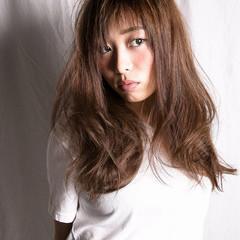大人女子 ロング 外国人風 くせ毛風 ヘアスタイルや髪型の写真・画像