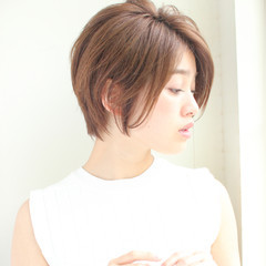 パーマ ショート デート フェミニン ヘアスタイルや髪型の写真・画像