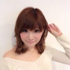 巻き髪 ミディアム ピンク レッド ヘアスタイルや髪型の写真・画像