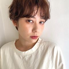 小顔ショート ナチュラル パーマ ショートヘア ヘアスタイルや髪型の写真・画像