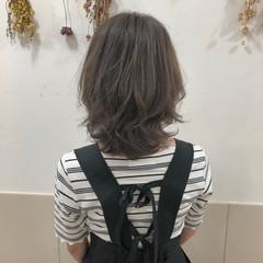 透明感 ショート ボブ グレージュ ヘアスタイルや髪型の写真・画像