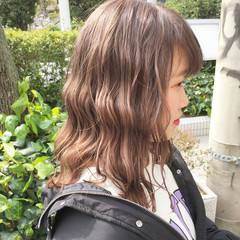 ミディアム ハイトーン ハイライト ハイトーンカラー ヘアスタイルや髪型の写真・画像
