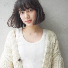 大人女子 外国人風 パーマ 小顔 ヘアスタイルや髪型の写真・画像