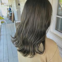オリーブカラー オリーブベージュ ナチュラル オリーブグレージュ ヘアスタイルや髪型の写真・画像