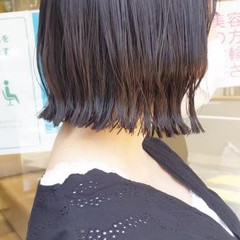 切りっぱなしボブ 前下がりボブ ミニボブ ショートヘア ヘアスタイルや髪型の写真・画像