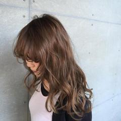 ベージュ ゆるふわ ロング ガーリー ヘアスタイルや髪型の写真・画像