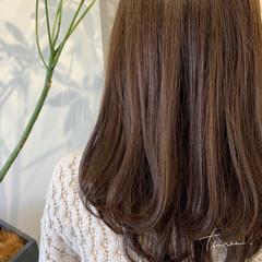 極細ハイライト 大人ハイライト ロング ナチュラル ヘアスタイルや髪型の写真・画像