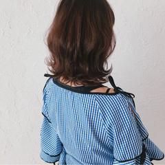 ミディアム 透明感 スポーツ オフィス ヘアスタイルや髪型の写真・画像