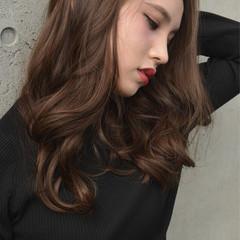 アッシュ ロング 上品 ベージュ ヘアスタイルや髪型の写真・画像