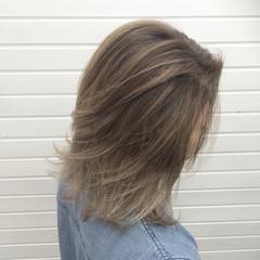 ミディアム グラデーションカラー 外国人風 ハイライト ヘアスタイルや髪型の写真・画像