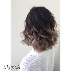 アッシュ ミディアム ハイライト グラデーションカラー ヘアスタイルや髪型の写真・画像