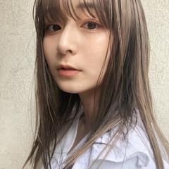 ミディアムレイヤー ナチュラル ミルクティーベージュ ベージュ ヘアスタイルや髪型の写真・画像