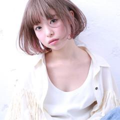 ナチュラル ブリーチ ミルクティー 色気 ヘアスタイルや髪型の写真・画像
