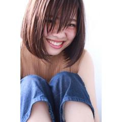 ナチュラル ウェットヘア 前髪あり 爽やか ヘアスタイルや髪型の写真・画像