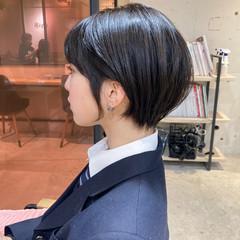 インナーカラー ショートヘア 似合わせカット ミディアムヘアー ヘアスタイルや髪型の写真・画像