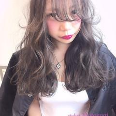 グレージュ ストリート ロング モテ髪 ヘアスタイルや髪型の写真・画像