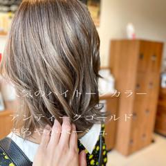 フェミニン ハイトーンカラー 鎖骨ミディアム ミディアム ヘアスタイルや髪型の写真・画像