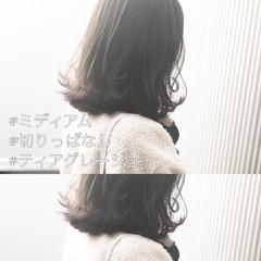 アッシュグレージュ 前髪 ミディアム ナチュラル ヘアスタイルや髪型の写真・画像