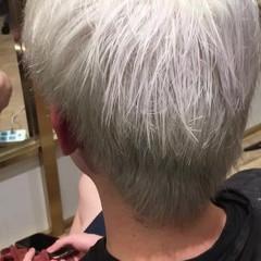 リラックス ホワイト ブリーチ ストリート ヘアスタイルや髪型の写真・画像