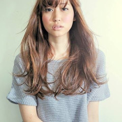 パーマ ニュアンス ロング 小顔 ヘアスタイルや髪型の写真・画像