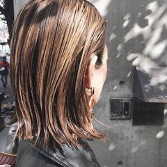 外ハネ ボブ ハイライト モード ヘアスタイルや髪型の写真・画像
