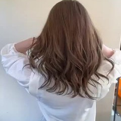 ベージュ ナチュラル ミルクティーベージュ ダブルカラー ヘアスタイルや髪型の写真・画像