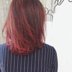 レッド ミディアム ピンク リラックス ヘアスタイルや髪型の写真・画像