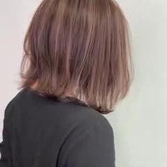 ボブ フェミニン 外ハネ ショートボブ ヘアスタイルや髪型の写真・画像