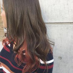 暗髪 ゆるふわ ミディアム インナーカラー ヘアスタイルや髪型の写真・画像