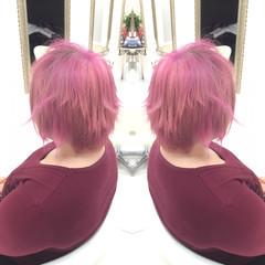 外国人風 ピンク グラデーションカラー ショート ヘアスタイルや髪型の写真・画像