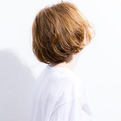 デジタルパーマ 無造作パーマ ナチュラル 前下がりボブ ヘアスタイルや髪型の写真・画像