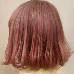 春 ガーリー レッド ボブ ヘアスタイルや髪型の写真・画像