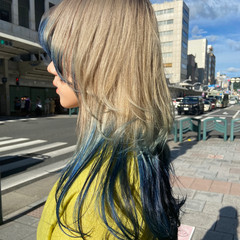 モード セミロング インナーカラー ニュアンスウルフ ヘアスタイルや髪型の写真・画像