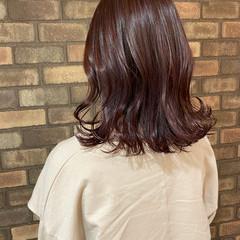 ミディアム 暗髪バイオレット イルミナカラー 大人ミディアム ヘアスタイルや髪型の写真・画像