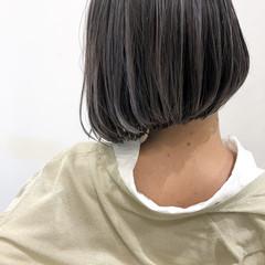 グレージュ ハイライト バレイヤージュ ボブ ヘアスタイルや髪型の写真・画像
