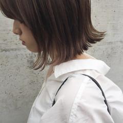 大人女子 ナチュラル ボブ 切りっぱなし ヘアスタイルや髪型の写真・画像