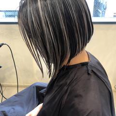 グレージュ ショート ハイライト ショートボブ ヘアスタイルや髪型の写真・画像