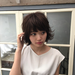 ミディアム ガーリー ピュア ボブ ヘアスタイルや髪型の写真・画像