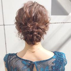 シニヨン セミロング 簡単ヘアアレンジ ヘアアレンジ ヘアスタイルや髪型の写真・画像