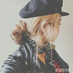 グレージュ お団子 ロング ヘアアレンジ ヘアスタイルや髪型の写真・画像